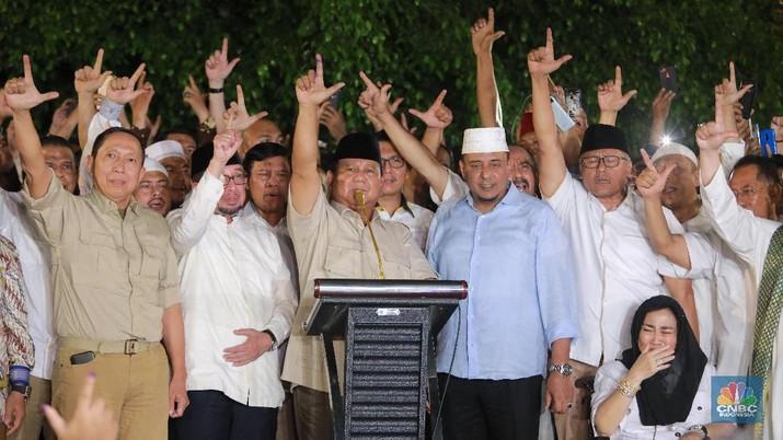 Pasangan calon presiden dan wakil presiden nomor urut 01 Joko Widodo-Ma'ruf Amin unggul dengan raihan 33.315.001 suara atau 56,33%.