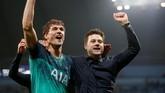 Wajah-wajah gembira menghias Tottenham Hotspur setelah sebelumnya mereka sempat tertunduk lesu. Tottenham bakal berjumpa Ajax Amsterdam di babak semifinal Liga Champions. (REUTERS/Andrew Yates)