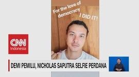 VIDEO: Demi Pemilu, Nicholas Saputra Selfie Perdana