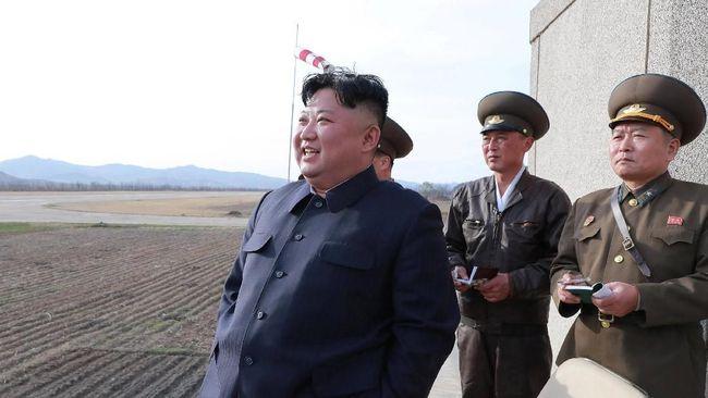Kim Jong-un Pimpin Latihan 'Serangan Jarak Jauh'