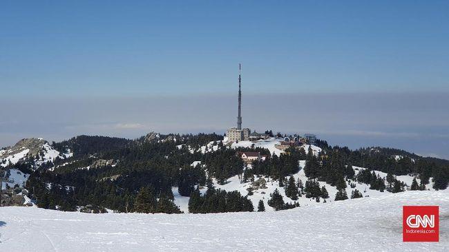 Bermain Salju Abadi di Pegunungan Uludag