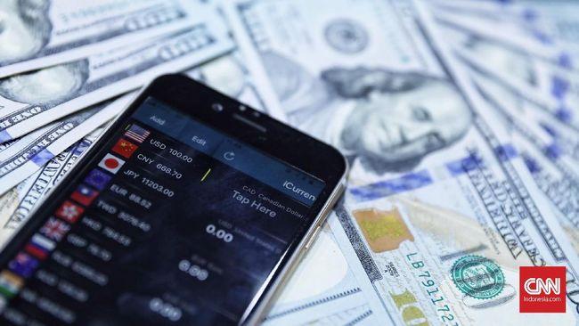 Pelarian Aset Lemahkan Rupiah ke Rp13.706 per Dolar AS