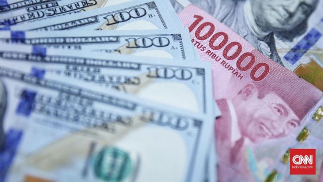 Rupiah Dekati Rp14.000 per Dolar AS Karena Sentimen Global