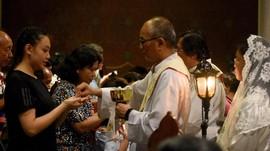 Khutbah Jumat Agung, Pastor Katedral Doakan Pemimpin Negara