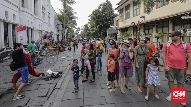 Foto Menghibur Diri Di Kota Tua Jakarta