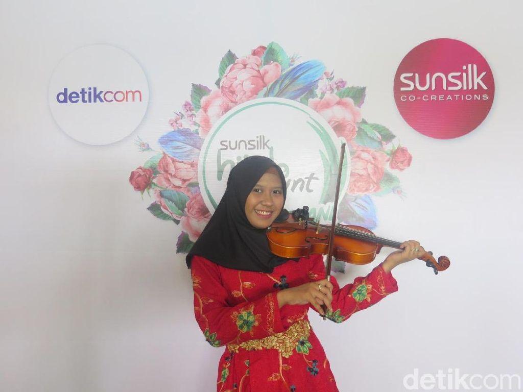 Hijabers Medan Ini Ingin Pikat Juri Sunsilk Hijab Hunt 2019 dengan Biola