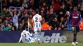 Sociedad kemudian sukses mencetak gol penyeimbang pada menit ke-62 melalui gol Juanmi setelah menerima umpan terobosan Mikel Merino. (REUTERS/Albert Gea)