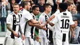 Juventus memastikan gelar juara Liga Italia Serie A 2018/2019 usai mengalahkan Fiorentina 2-1 di Stadion Allianz, Sabtu (20/4) malam waktu setempat. (REUTERS/Massimo Pinca)