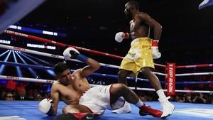Amir Khan Menyerah, Crawford Menang TKO