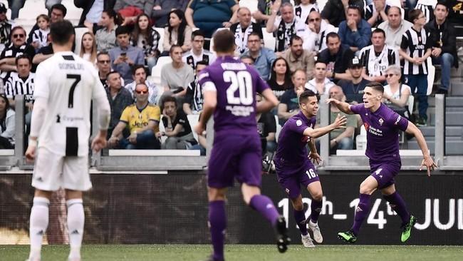 Nikola Milenkovic sempat membuat para pemain dan fan Juventusterkejut setelah membobol gawang La Vecchia Signora pada menit keenam.(Marco Bertorello / AFP)