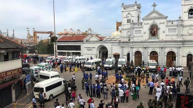 Tercatat, ada tiga gereja yang diserang bom secara simultan. Selain itu, ada tiga hotel papan atas yang juga menjadi target.(REUTERS/Dinuka Liyanawatte)