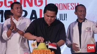Erick Thohir Potong Tumpeng Syukuran Klaim Kemenangan Jokowi