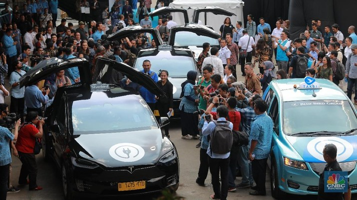Mengintip Armada Mobil Listrik Baru Milik Taksi Blue Bird