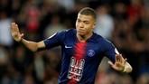 30 - Kylian Mbappe mencetak tiga gol ketika Paris Saint-Germain menang atas Monaco. Secara total, Mbappe sudah mencetak 30 gol dan tercatat sebagai pemain termuda yang mampu membukukan gol dalam jumlah tersebut di Liga Perancis. (REUTERS/Gonzalo Fuentes)