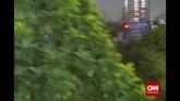Hal tersebut menyebabkan semakin minimnya ruang hijau ataupun hutan kota di ibu kota.Perlahan hijau pepohonan berganti dengan konstruksi beton yang rindang, menghilangkan fungsi pepohonan sebagai paru-paru. Seiring pesatnya pembangunan di Jakarta, berkembang pula permasalahan lingkungan yang mengikutinya. (CNN Indonesia/Adhi Wicaksono)