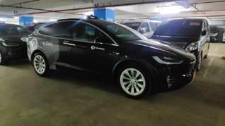 Tesla Sering Terbakar, Blue Bird Klaim Taksi Listrik Aman