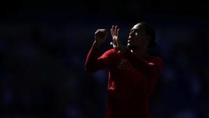 FOTO: Liverpool Beri Manchester City Tekanan