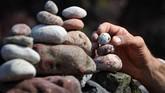 Bagi para pecinta seni menyusun batu, mengetahui kandungan batuan atau mineral di dalamnya, akan mempermudah penyusunannya.
