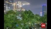 Berdasarkan data The Council on Tall Buildings and Urban Habitat, Jakarta pada 2015 menjadi kota terbanyak membangun gedung tinggi, menyelesaikan 7 proyek gedung total ketinggian 1.588m, mengalahkan pembangunan gedung baru di kota-kota Cina. (CNN Indonesia/Adhi Wicaksono)