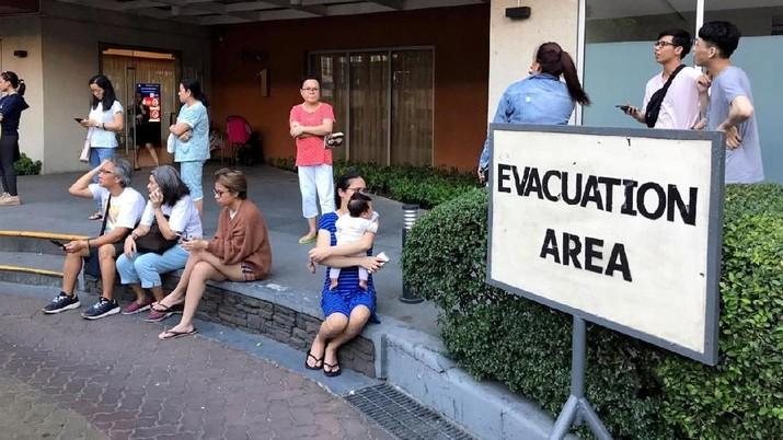 Intip Penampakan Saat Gempa 6,3 M Guncang Filipina