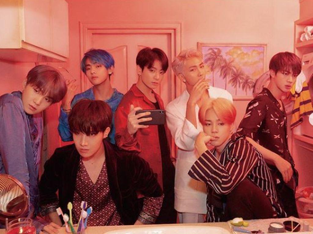 Dan mini album terbaru mereka yakni Map of the Soul: Persona juga berhasil meraih sukses yang sama.Dok. Instagram