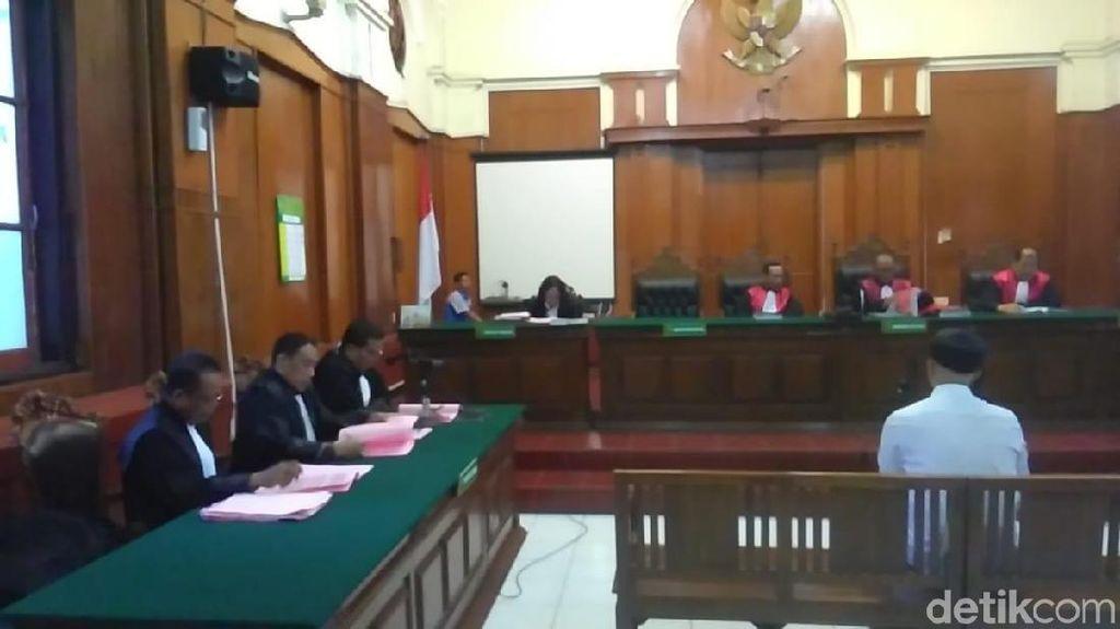 Ahmad Dhani Dituntut 18 Bulan Penjara