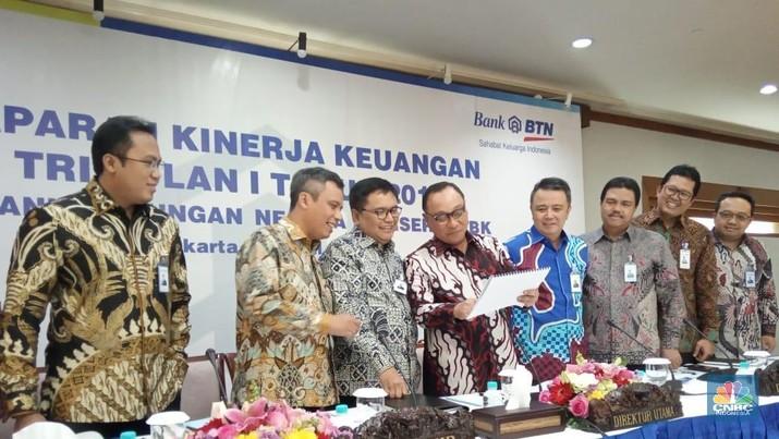 PT Bank Tabungan Negara (Persero) Tbk (BBTN) menyatakan akan merealisasikan penerbitan instrumen junior global bond.
