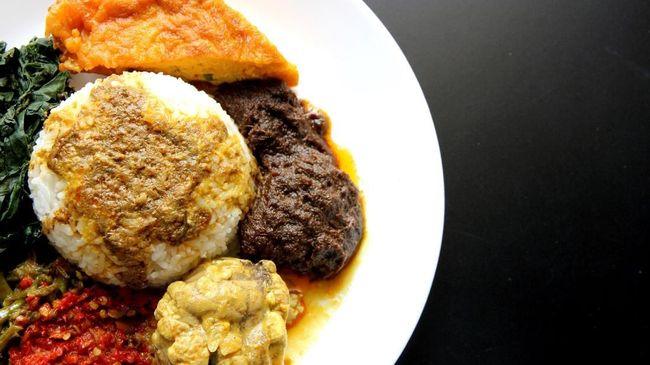 7 Lauk Nasi Padang Paling Nikmat Sebelum 'Boikot Nasi Padang'