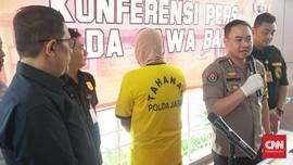 Hoaks Polisi Paksa Buka Kotak Suara, Satpam Bank Ditangkap