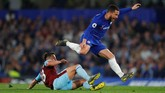 Permainan keras yang diperagakan dan aksi mengulur waktu dari Burnley membuat Chelsea kesulitan untuk mencetak gol dan harus puas bermain imbang hingga laga usai. (REUTERS/Eddie Keogh)