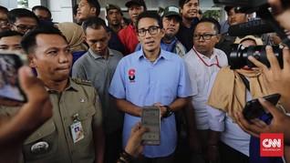Sandiaga Santap Nasi Padang Respons Tagar #BoikotNasiPadang