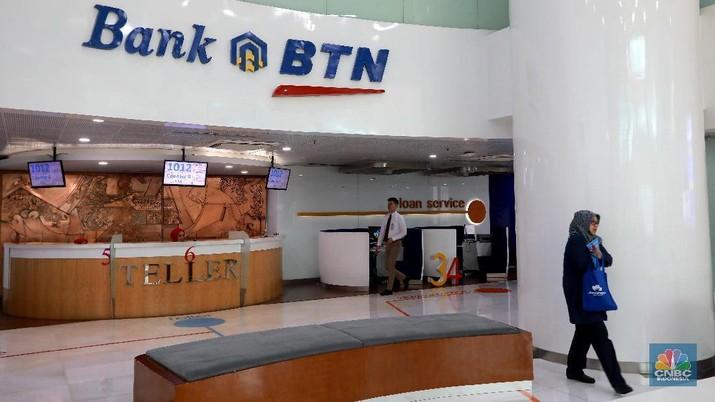 Pelayanan nasabah Bank BTN di Bank BTN, Jakarta (CNBC Indonesia/Muhammad Sabki)