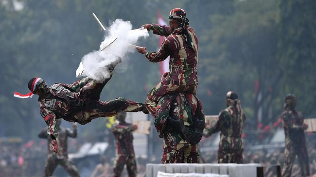 Sebelum menjadi Kopassus, pasukan elite ini pernah bernama Kopassandha, Puspassus TNI AD, RPKAD, dan KKAD. (ANTARA FOTO/Sigid Kurniawan)
