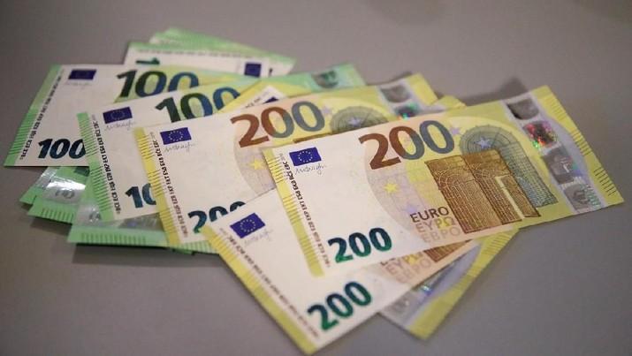 Italia Akan Membangkang Dengan UE, Euro Anjlok