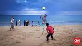Pantai Uppuveli yang berada di kota pelabuhan Trincomalee ini menawarkanpanorama pantai yang berpasir halus, berair jernih, dan berombak tenang. (CNNIndonesia/Safir Makki)