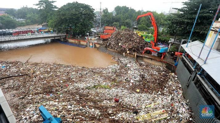 Awas Banjir! Ketinggian Air Katulampa 250 cm dan Siaga 1