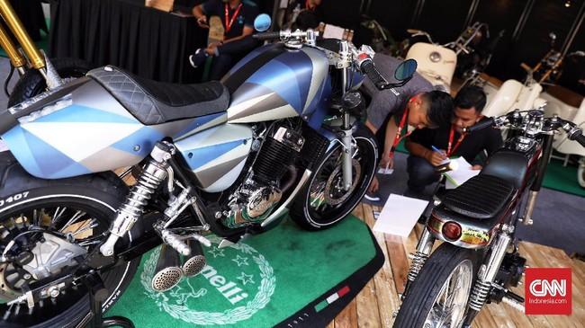 Motor Benelli ikut bagian dalam pameran otomotif Indonesia International Motor Show (IIMS) 2019 yang berlangsung di Jiexpo Kemayoran, Jakarta, 25 April 2019. (CNN Indonesia/Hesti Rika)