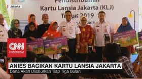 VIDEO: Gubernur DKI Anies Bagikan Kartu Lansia Jakarta
