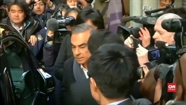 VIDEO: Mantan Bos Nissan Kembali Bebas dengan Jaminan