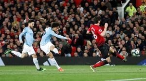 Man United Diejek Pakai Formasi 1-1-1-1-3-3