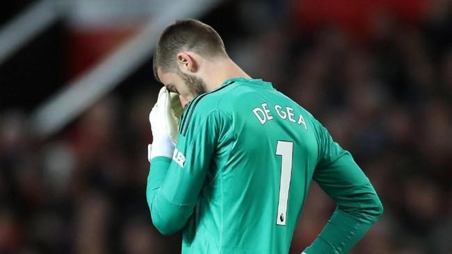 David de Gea mengalami momen yang buruk bersama Manchester United musim ini. Keberadaan kiper asal Spanyol ini di bawah mistar gawang mulai disorot seiring kekalahan-kekalahan yang diderita The Red Devils. (Action Images via Reuters/Carl Recine)