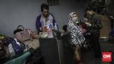 Pusat Data dan Informasi Badan Penanggulangan Bencana Daerah (BPBD) DKI Jakarta melaporkan ada 17 RW yang sempat tergenang air. Beberapa di antaranya ialah Kelurahan Pejaten Timur, Srengseng Sawah dan Lenteng Agung. (CNN Indonesia/Adhi Wicaksono)