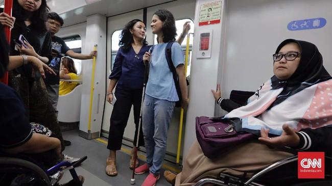 Penyediaan sarana dan prasarana ramah penyandang disabilitas tersebut merupakan upaya pemerintah memenuhi haknya sesuai Undang-Undang Nomor 8 Tahun 2016 tentang Penyandang Disabilitas. (CNN Indonesia/Adhi Wicaksono)
