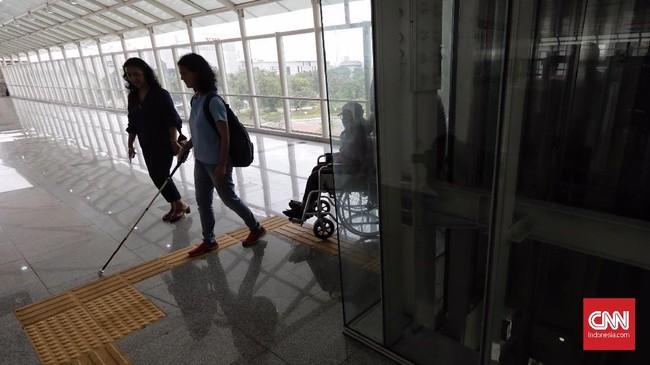 LRT Jakarta tersebut akan terus dievaluasi sampai dinyatakan laik dioperasikan untuk umum. (CNN Indonesia/Adhi Wicaksono)