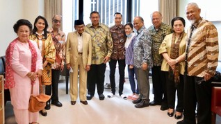 BJ Habibie Jenguk Ani Yudhoyono di Singapura