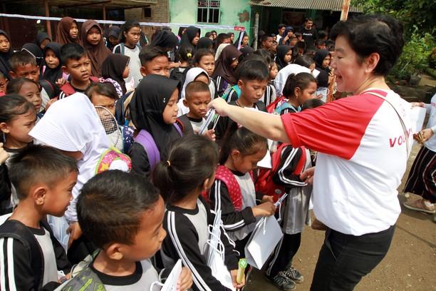 Donasi Fasilitas untuk Penunjang Pendidikan