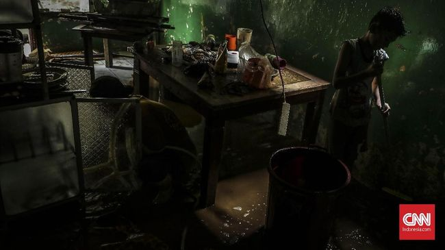 Banjir Jakarta Mulai Surut, 26 Warga Masih Mengungsi