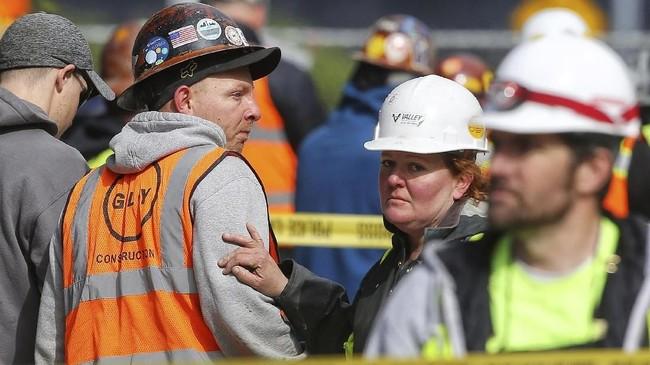 Insiden ini mendesak pemerintah setempat kembali mengevaluasi ramainya proyek pembangunan gedung pencakar langit yang marak di Seattle. (Genna Martin/seattlepi.com via AP)
