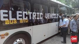 Komentar Anies Setelah Jajal Bus Listrik