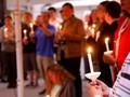 Jemaat Sinagoge Berkabung Jelang Pemakaman Korban Penembakan